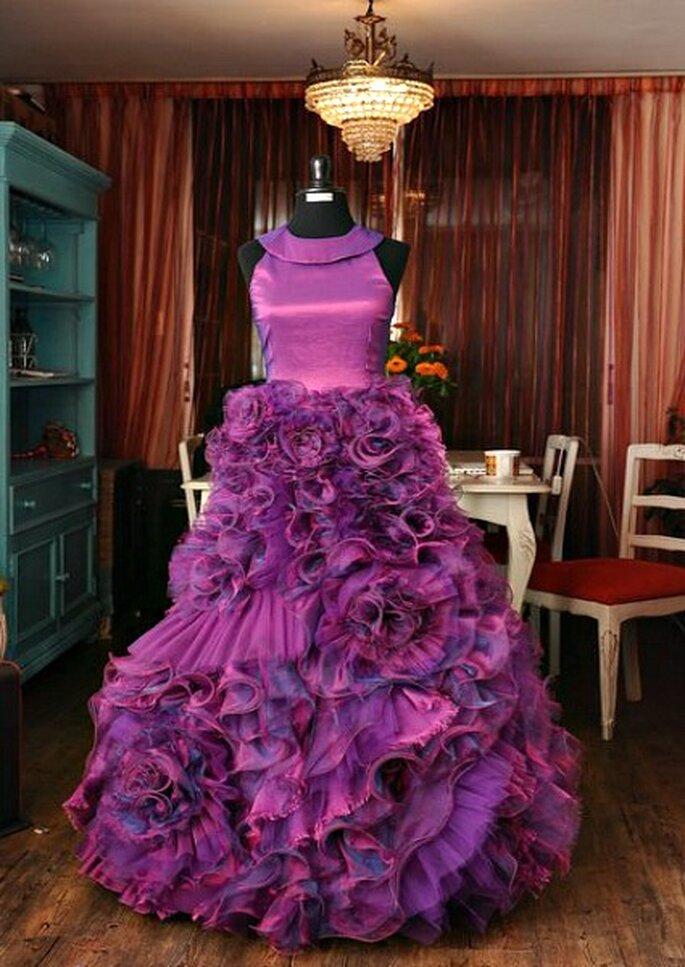 Robe de mariée violette de Fran Vallejos