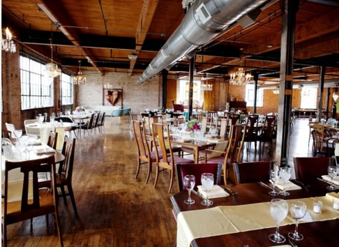 Decoracion de estilo industrial para boda. Fotografía Jeny Lynne