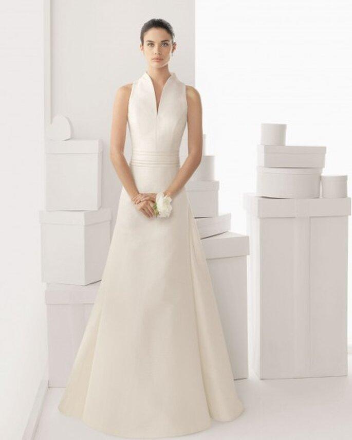 suknia ślubna z łezką na dekolcie