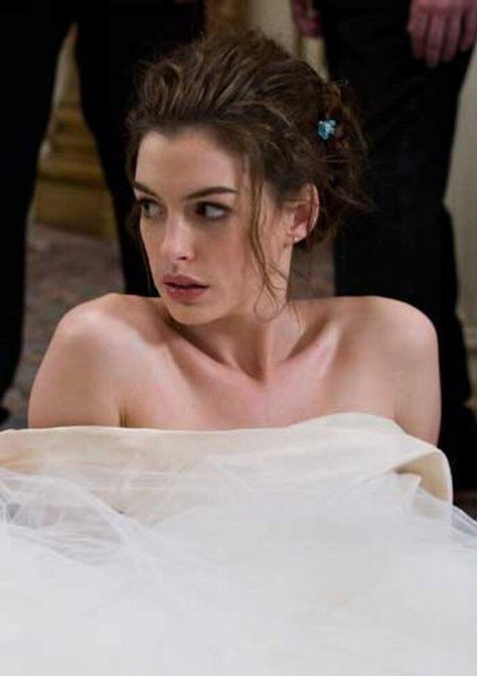 """Anne Hathaway en """"Guerra de novias"""". La actriz se casó el pasado fin de semana en Big Sur, CA. Foto de 20th Century Fox"""