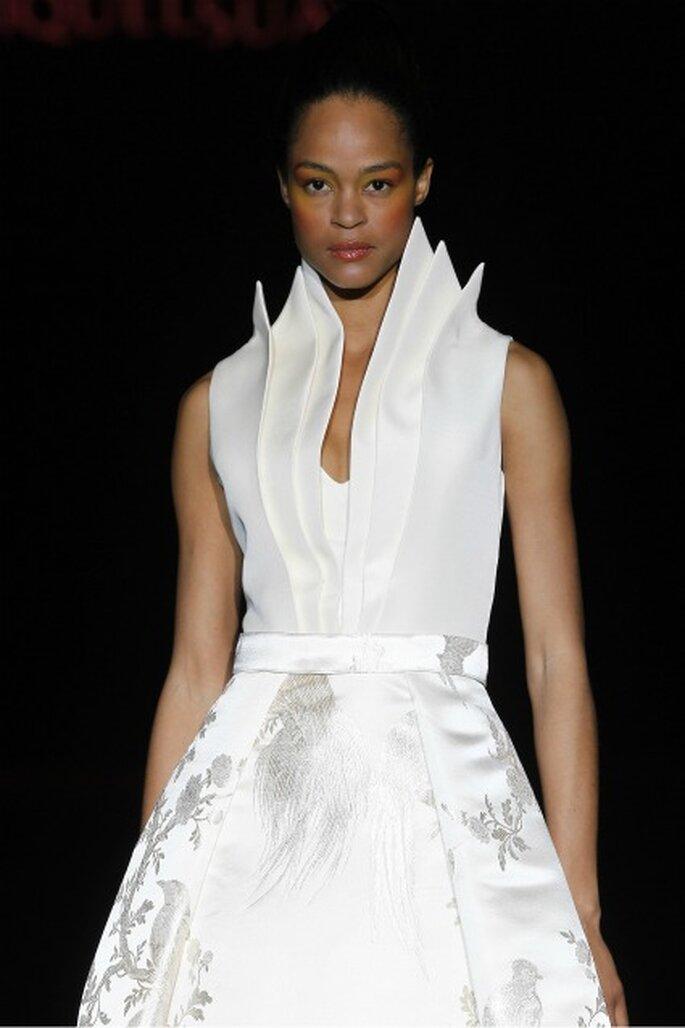 Destacan las líneas geométricas en los vestidos de novia Miquel Suay 2012 - Ugo Camera / Ifema
