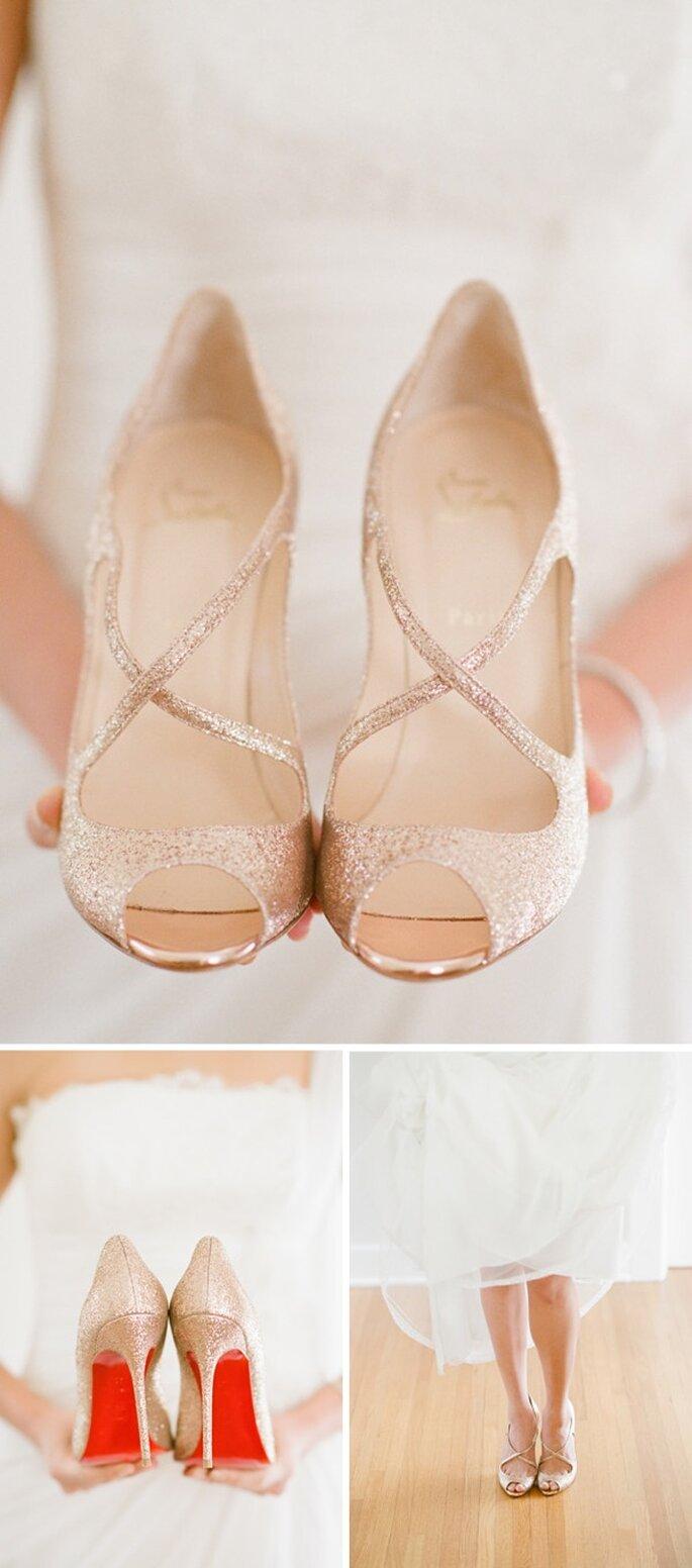 Zapatos de novia con brillos y aplicaciones - Foto Elisa B Photography