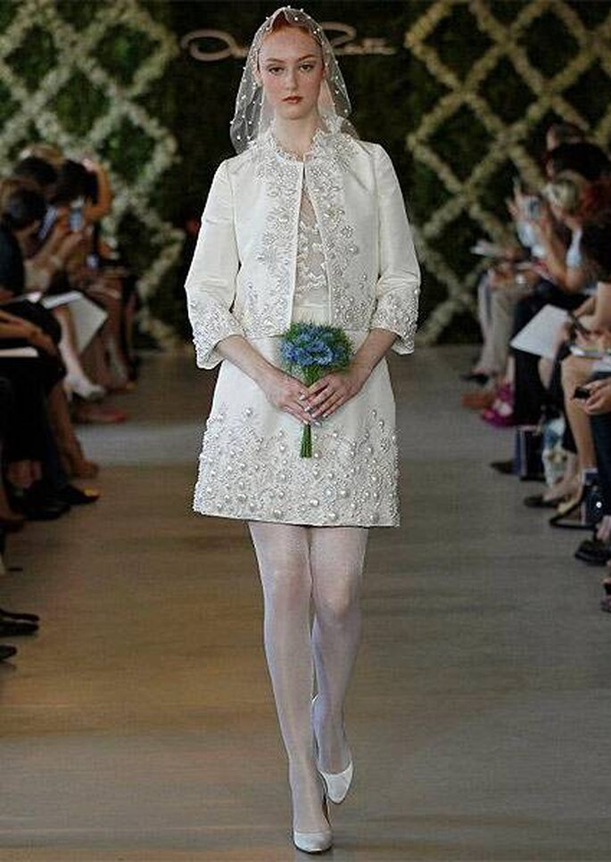 Vestido de novia corto con dos piezas, de Oscar de la Renta 2013
