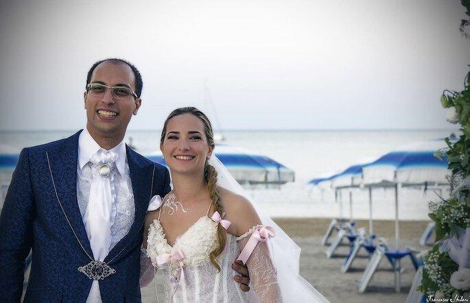 La fiaba d'amore di Elisa e Christian in riva al mare