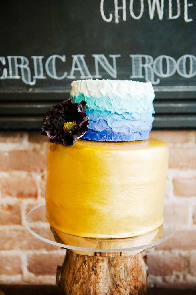 Pasteles de boda multicolor - Foto Brooke Schultz Photography