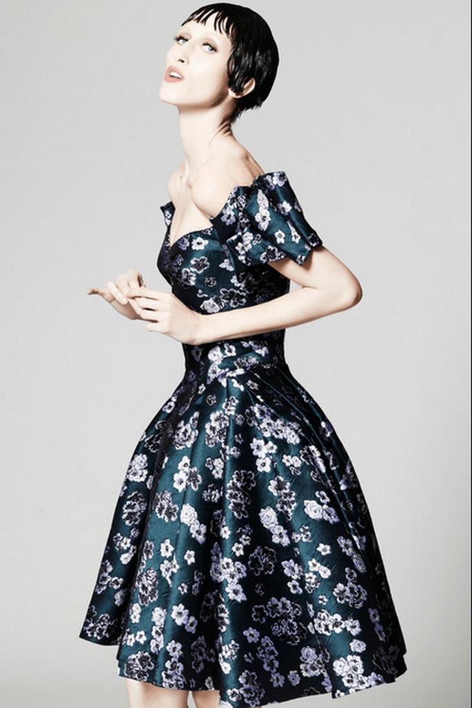 Vestido de fiesta corto con estampados inspirados en las flores - Foto Zac Posen