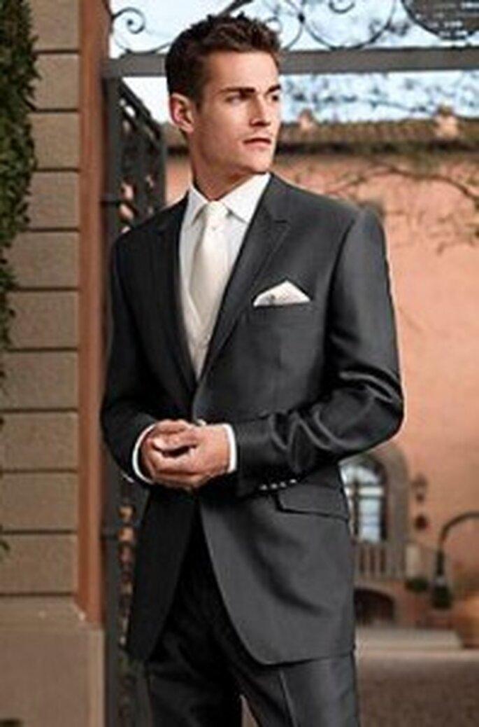 """Hochzeitsanzug """"Toskana"""" aus der Kollektion After Six Fashion von Wilvorst, 300€"""