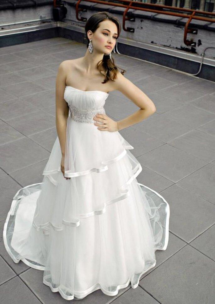 Vestido de novia con capas de organza - Foto Henry Roth, Polkadot Bride