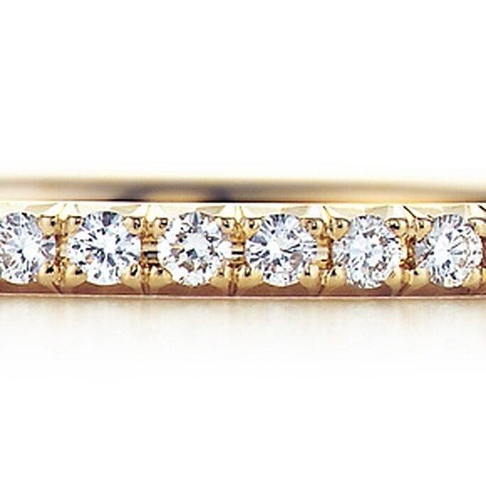 Alianza femenina con diamantes