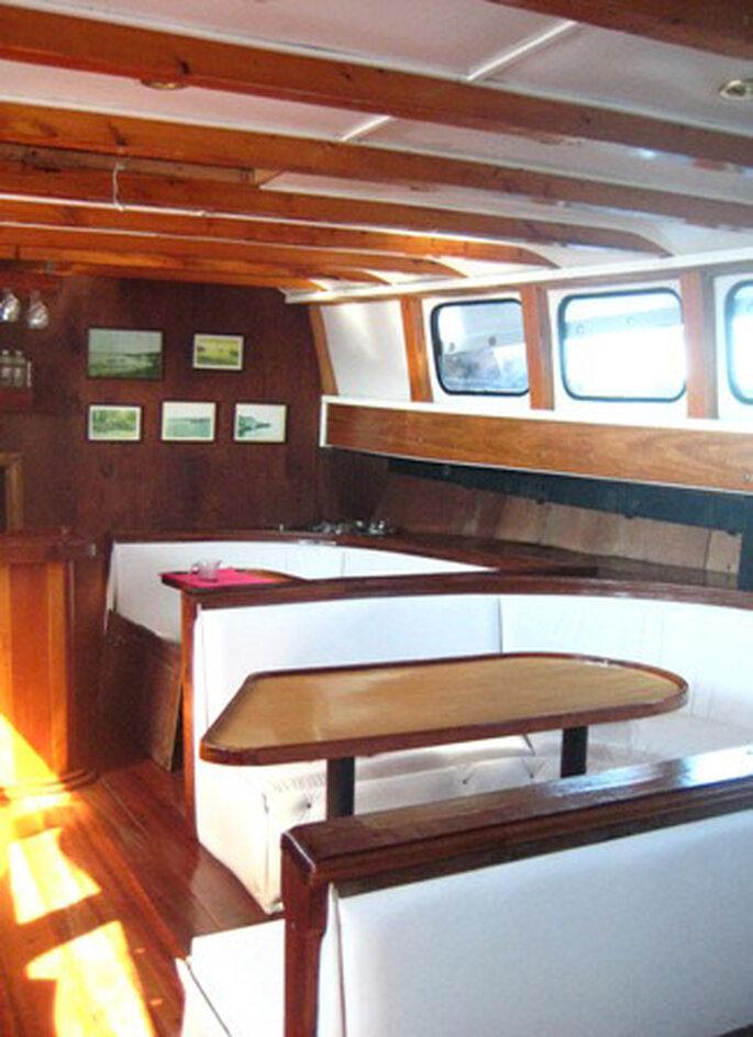 Interior del Barco Capitán Haase.