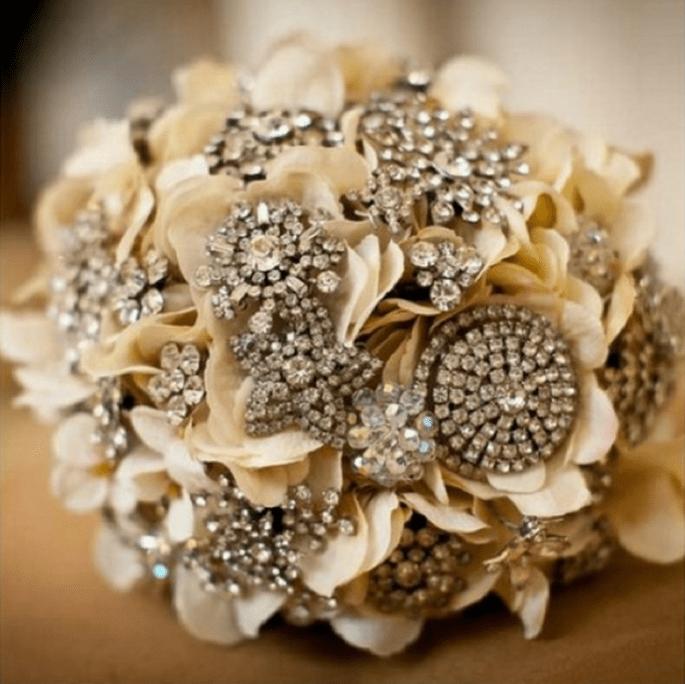 Ramo de novia con detalles en tonos metálicos - Foto The Wedding Party Studio