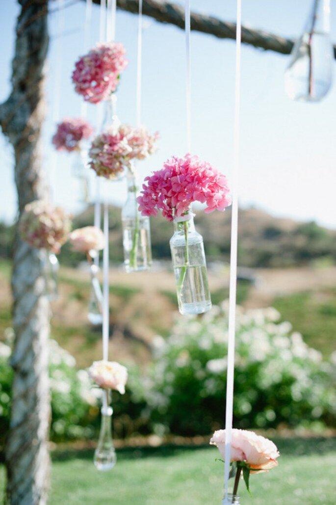 Los mejores acentos de color rosa para decorar tu boda - Foto Hazelnut Photography