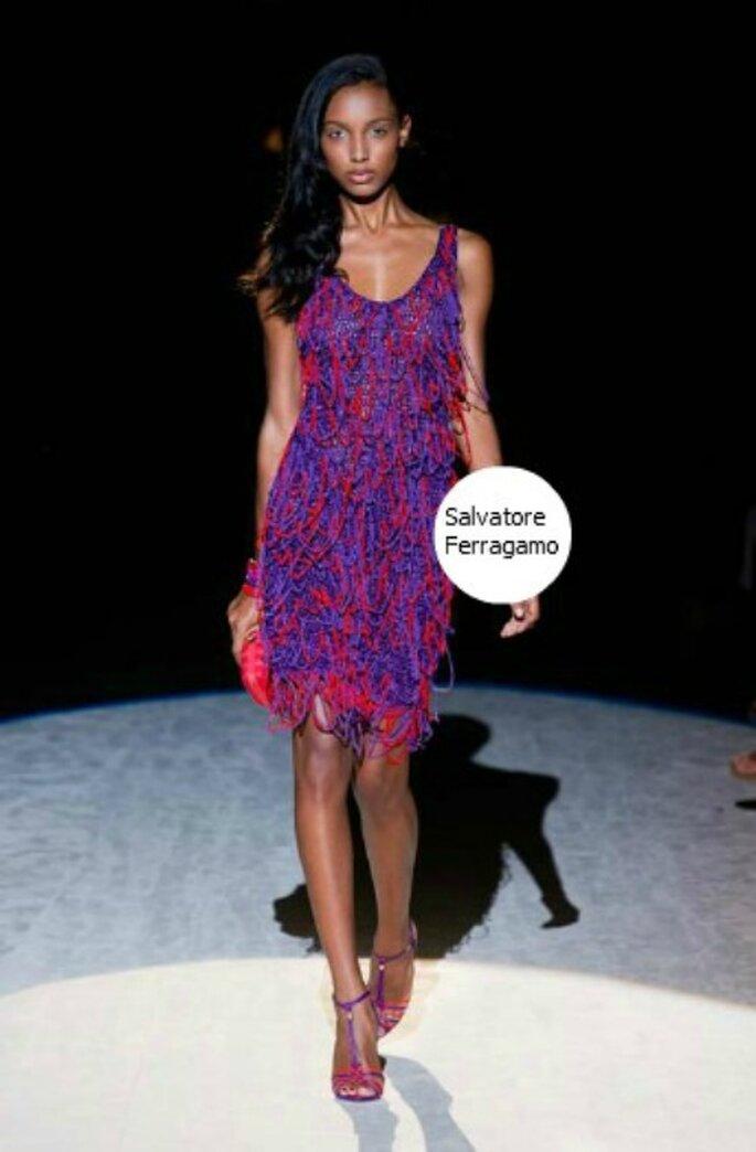 Appariscente ed elegante questo abito corto di Salvatore Ferragamo PE 2012. Foto www.ferragamo.com