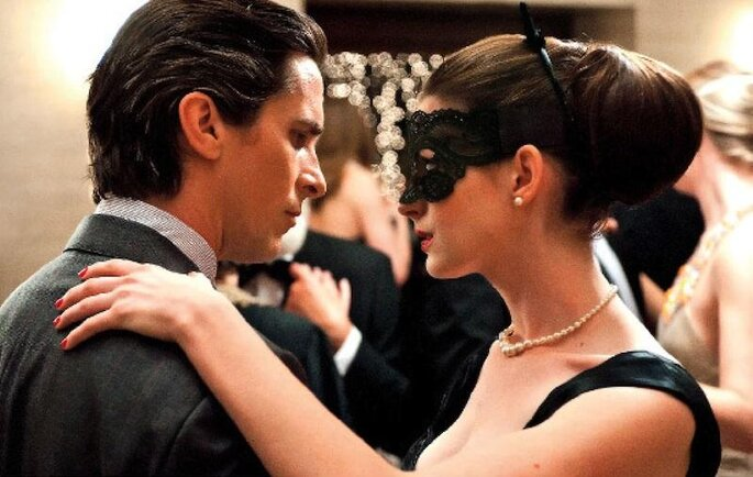 dark-knight-rises-movie-image-christian-bale-anne-hathaway2