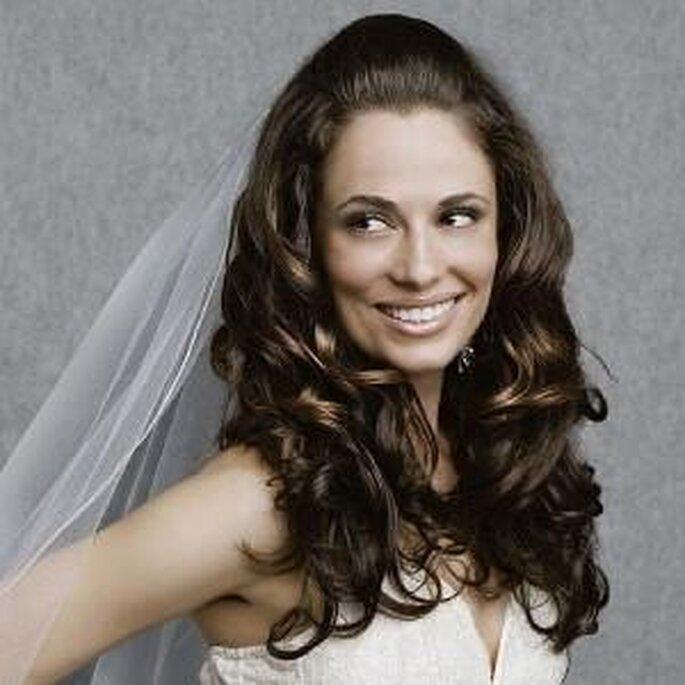 """El pelo suelto es una opción ideal para las novias más """"atrevidas"""""""