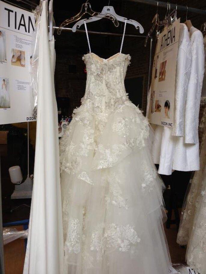 Detalle backstage de los vestidos de novia para primavera 2014 - Foto Monique Lhuillier
