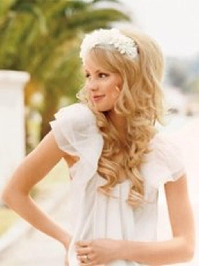 Die Braut-Accessoires runden das Hochzeitsoutfit erst ab – Foto: www.pensorosa.com