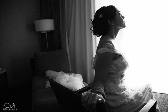 Puedes elegir el blanco y negro para tu sesión de fotos getting ready - Foto Arturo Ayala