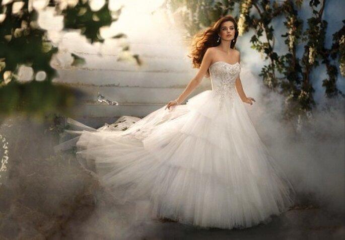 Vestido de novia inspirado en la princesa Cenicienta - Foto Alfred Angelo