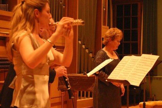 Grupo musical y soprano   Foto de drab-Makyo
