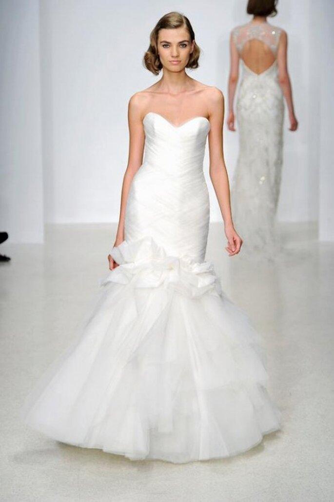 Vestido de novia largo en color blanco con corte sirena y escote corazón - Foto Kenneth Pool