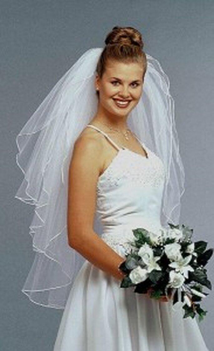 Velo da sposa lungo a più strati