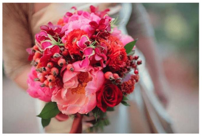 Fleurs dans des gammes diverses de rose et rouge - Photo Sedona Bride