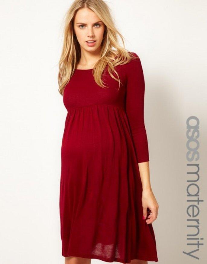 Vestido de fiesta para invitada de boda embarazada en color rojo con tela jersey - Foto ASOS