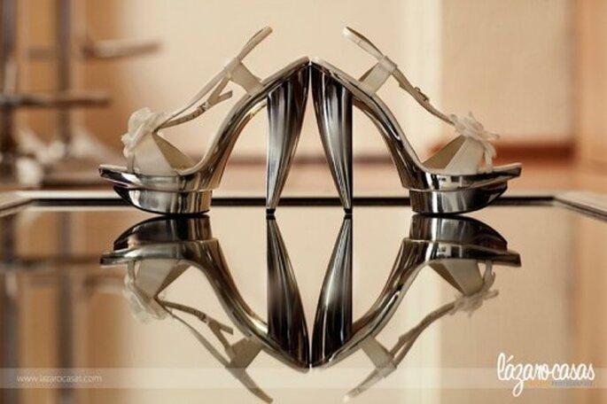 Elige un reflejo que le dé perspectiva al diseño de tus zapatos - Foto Lázaro Casas