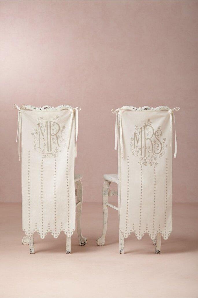 Decoración para las sillas de tu banquete de bodas - Foto BHLDN