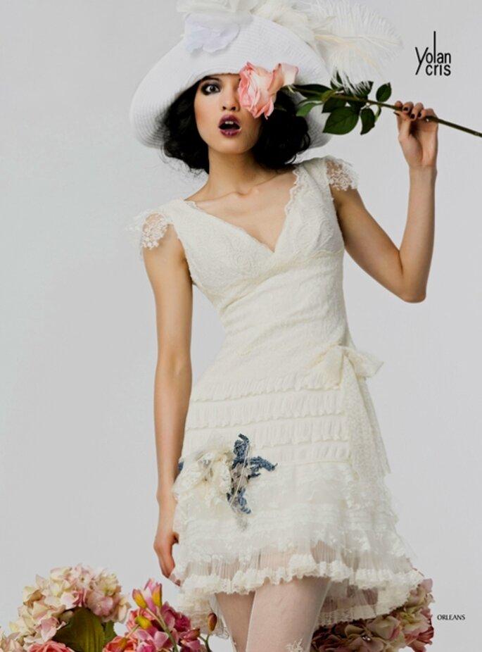 Vestido de novia corto por Yolan Cris 2012