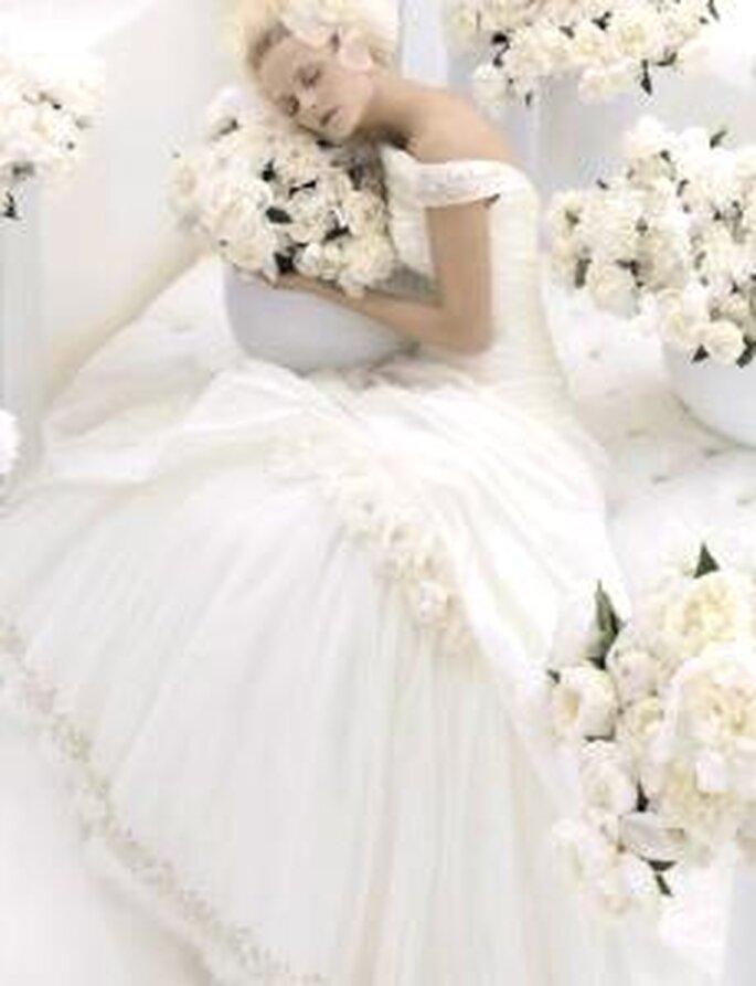 Carlo Pignatelli 2010 - Vestido largo de corte princesa, escote de hombros caídos