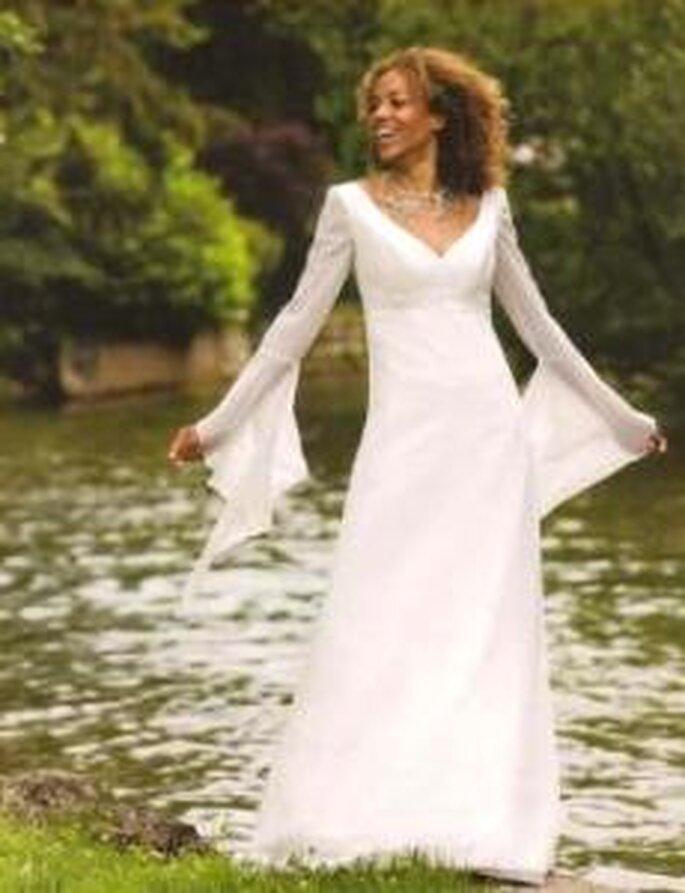 tati mariage 2008 dysne robe longue en mousseline manche longue dcollet - Tatie Mariage Magasin