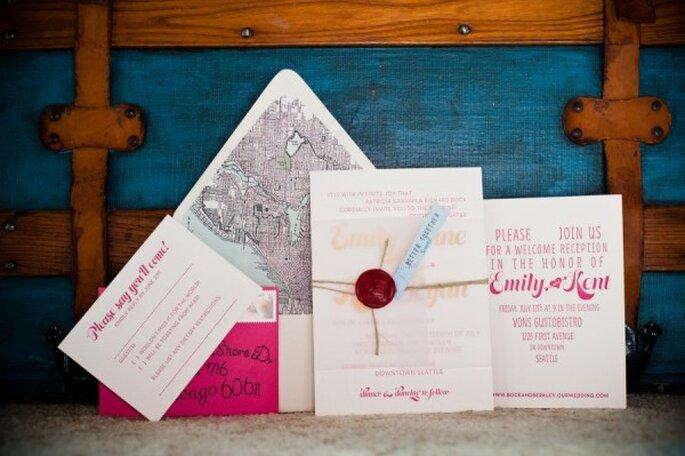 Apuesta por integrar el color rosa en tus invitaciones de boda - Foto Laurel McConnell Photography