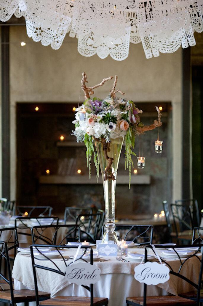 Decoración de boda con papel picado - Foto Jenny DeMarco Photography