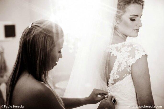 Trata de probarte el vestido de novia con muchos elementos que vayas a usar en tu boda - Foto Paulo Heredia