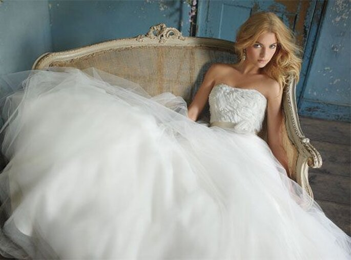 Alvina Valenta 2012. Faldas amplias de novia