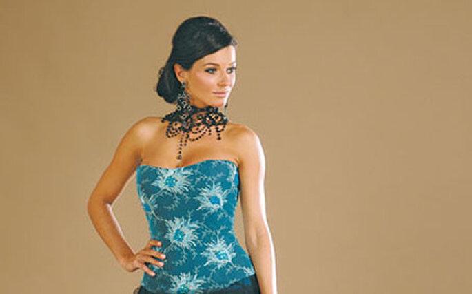 Associé à la sérénité, le bleu saura mettre en valeur le visage radieux de la mariée
