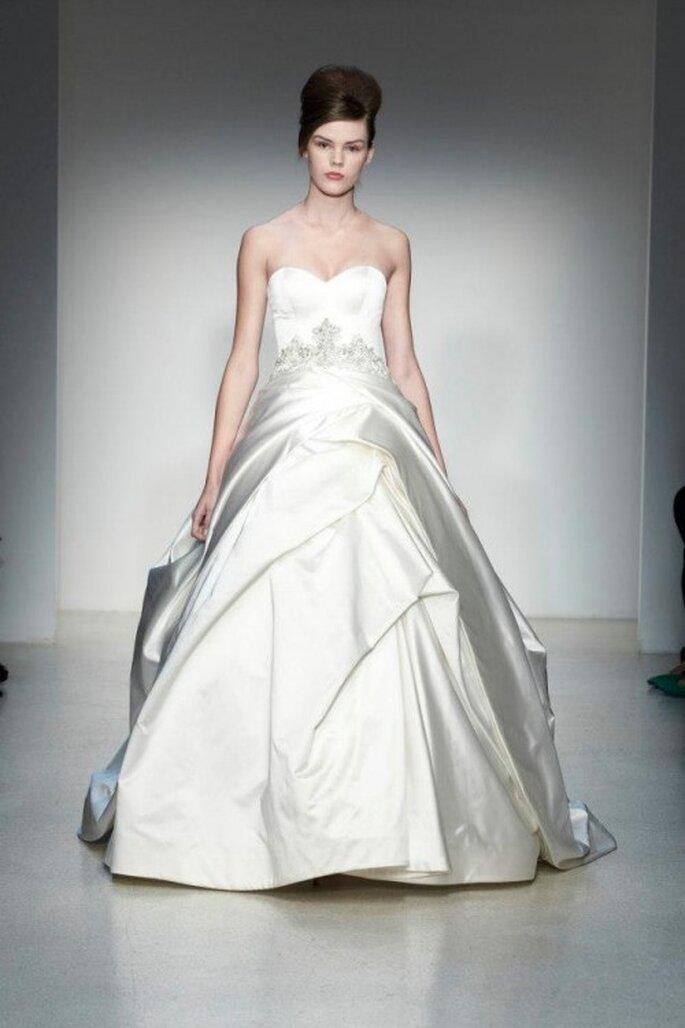 vestido de novia 2014 con detalles de pedrería - Foto Kenneth Pool