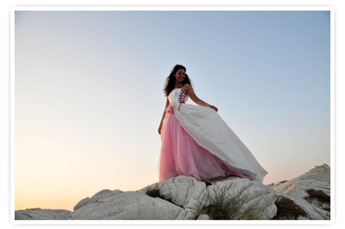 Una splendida immagine di Roberta col suo particolare abito rosa. Foto New Image Officina d'Immagine