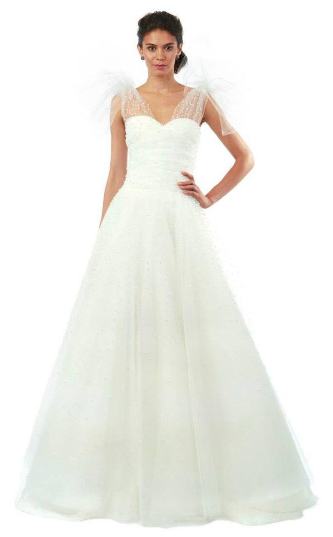 Vestido de novia con falda amplia y detalles en encaje con bordado de perlas de Oscar de la Renta - Otoño 2014