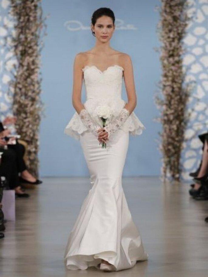 koronkowa baskinka w sukni ślubnej