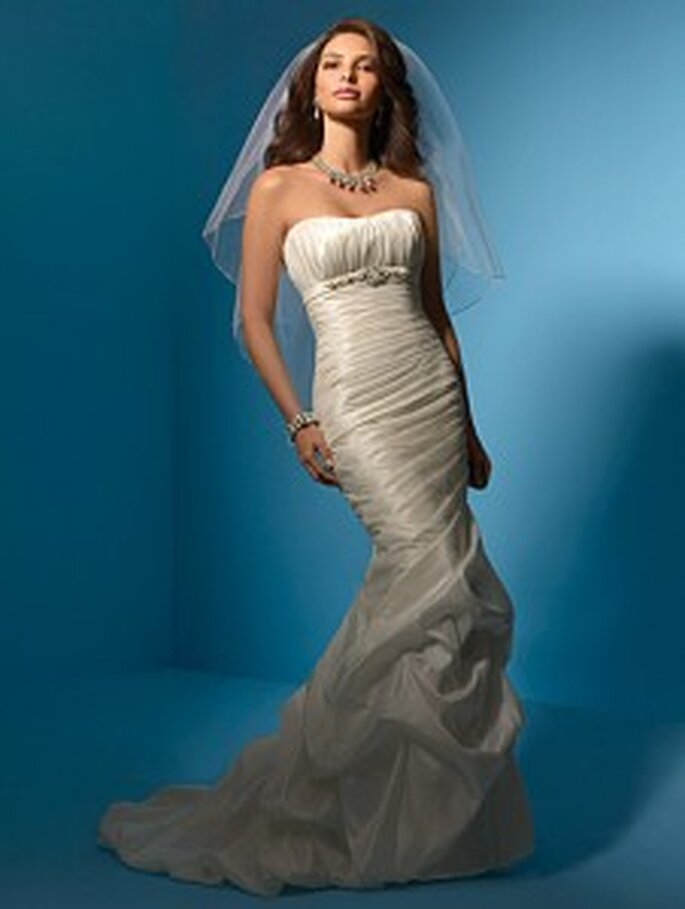 Strapless mermaid-style taffeta gown from the Recessionista Collection