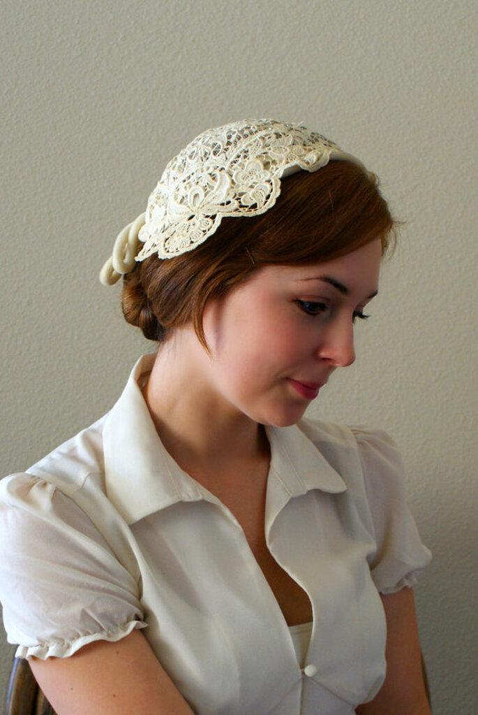Il trionfo degli anni Quaranta. Modello: Gene Doris Ivory lace Wedding Cap, foto: Etsy