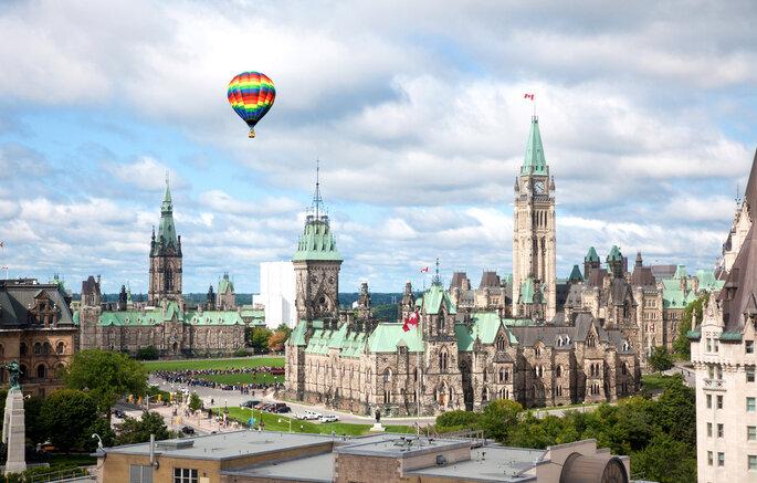 Luna de miel en Canadá (Ottawa) - Shutterstock