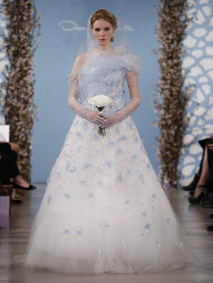 Vestido azul celeste de Oscar de la Renta 2014. Foto: www.oscardelarenta.com