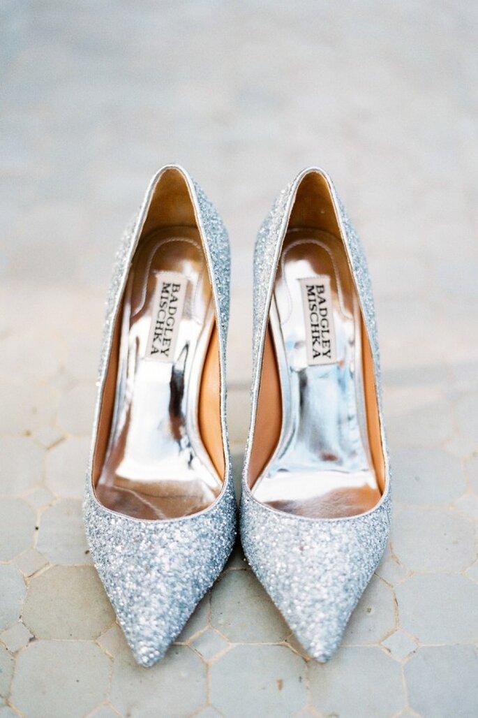 Zapatos de novia con aplicaciones y brillos - Mireia Cordomí
