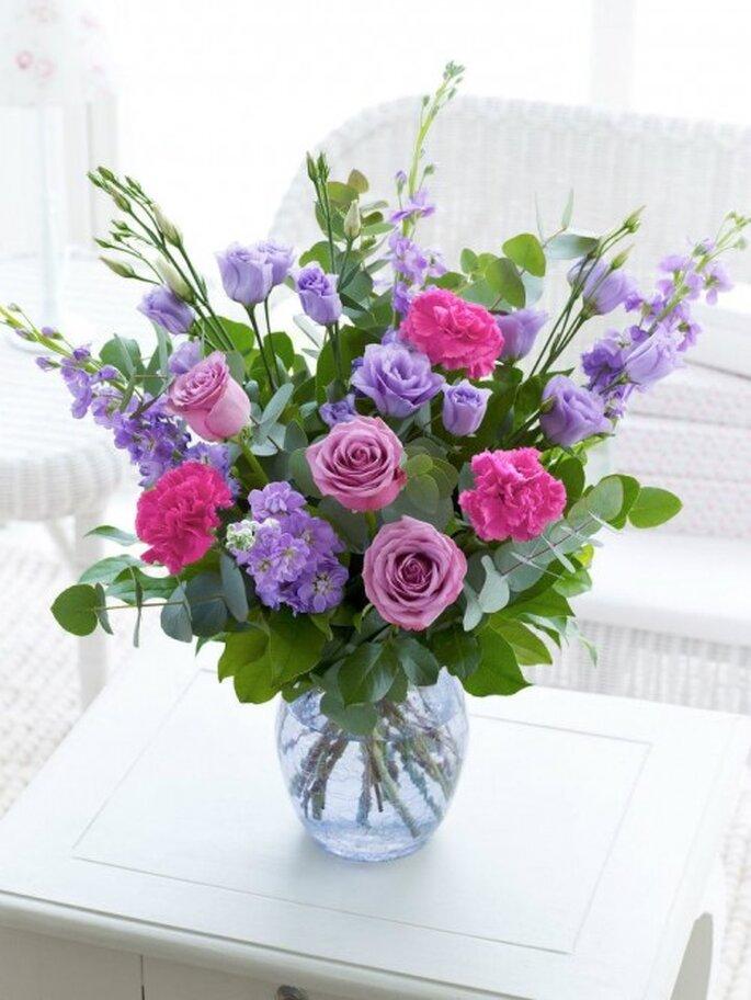 Elegante arreglo floral para bodas - Foto Interflora Facebook
