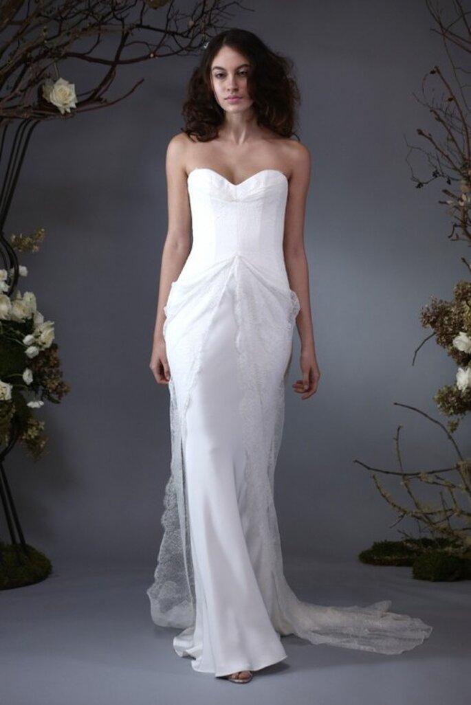 Vestido de novia 2014 con escote corazón y cauda superpuesta - Foto Elizabeth Fillmore