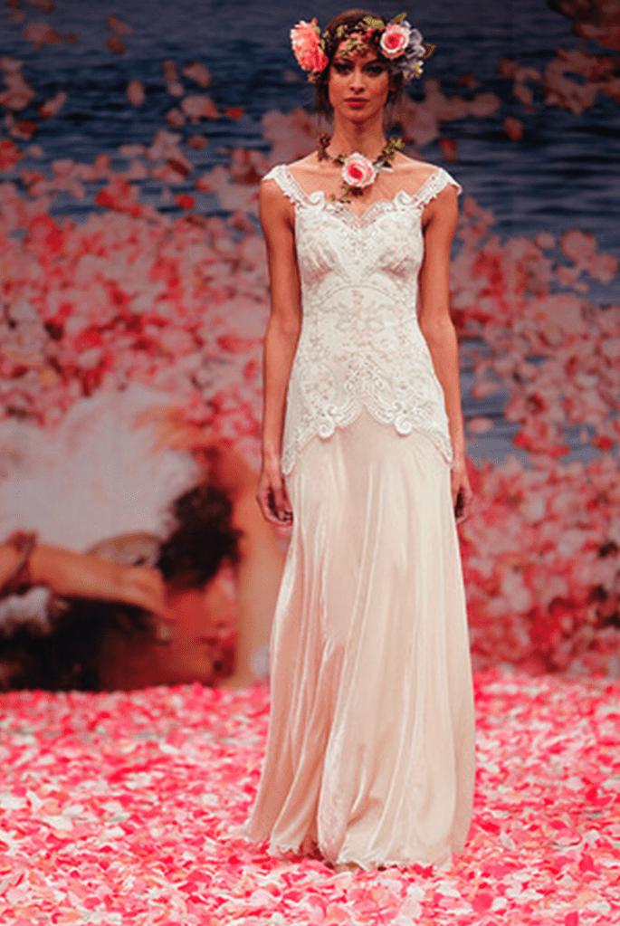 Vestido de novia con mangas cortas y estilo vintage - Foto Claire Pettibone
